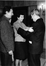 Ida et Vladimir Pozner retrouvent Joris Ivens au festival de Leipzig, 1968.